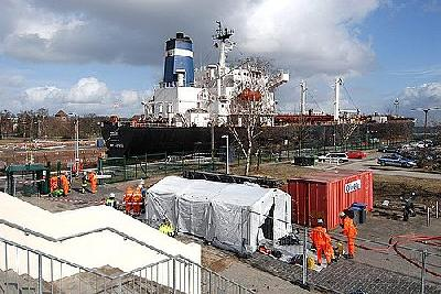 Chemical spill in the Holtenauer lock