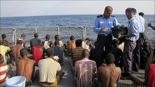 Indian navy captures 16 Somali pirates on Iranian ship