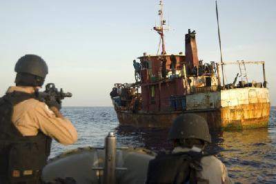 World's shipowners seek naval mandate to sink pirate motherships