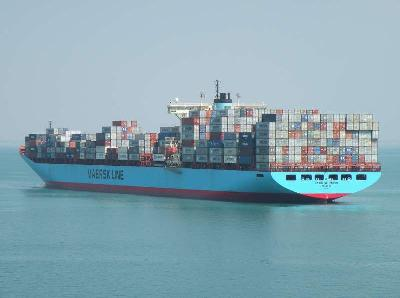 Maersk transforms 8,700-TEUers into 10,000-TEUers by stacking them higher