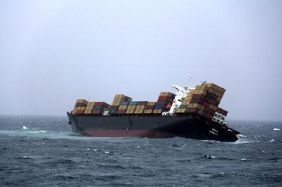 Contrary to eco-scare, stricken box ship RENA won't break up!