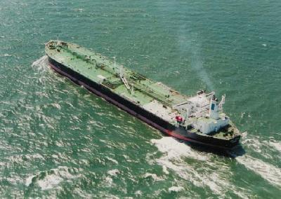 Bermuda: Frontline Plans to Sell Three More Tankers