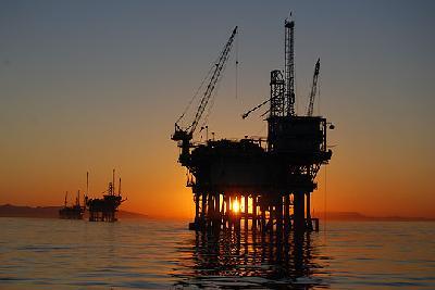 Shipbuilders facing slowdown, urged to check offshore energy work