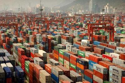 Shanghai Shipping Exchange chief: Asia-Europe rates hit by debt crisis