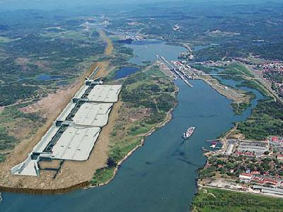 Small ships can exploit enlarged feeder trade once Panama Canal expands