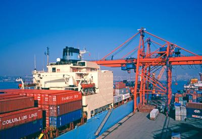 As Hormuz Strait hots up, APL markets Oman box port beyond conflict zone