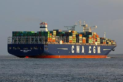 CMA CGM, CSCL and UASC mass their mega ships on joint Asia-Mideast loop