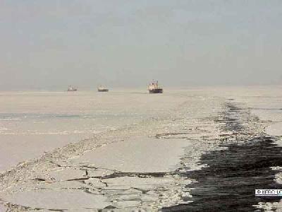 Bad weather in Azov Sea; convoys unsafe