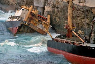 Removal of MV Tycoon Wreck Commences on Christmas Island