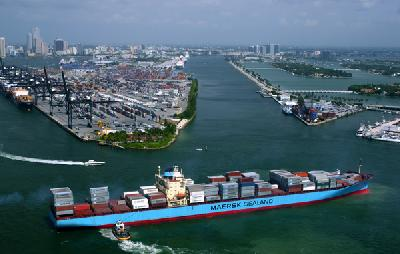 Maersk joins APL in accepting credit cards for demurrage in US ports
