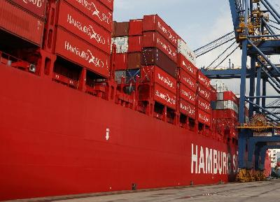 Hamburg Sud Christens Its New Container Ship in Brazil