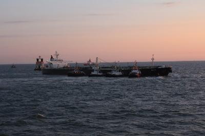 Tanker's pilot was warned before grounding
