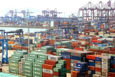 China-wide port box volume up 8.6 pc in the first half, but pace slows