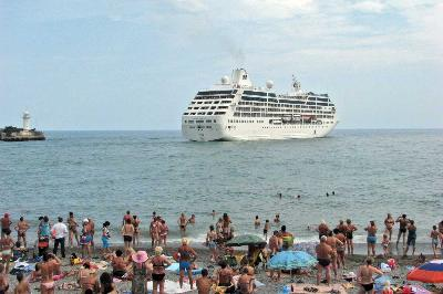 Schedule of visits of cruise ships in the ports of the Black Sea in August 2012 - 2 times less than in July
