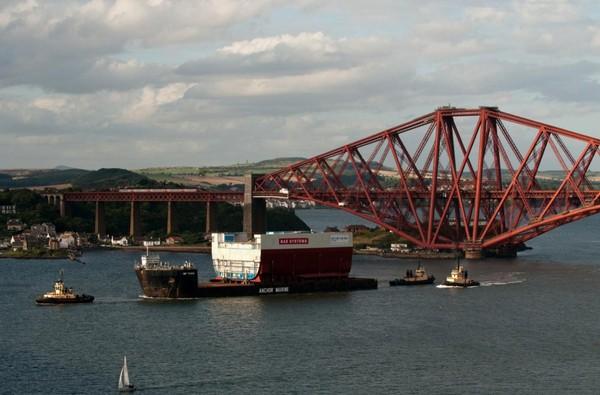 ALE Starts Transportation of UK Largest Warship Sections