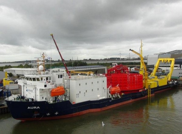 Germany: NSW Charters Cable Laying Vessel MV Aura
