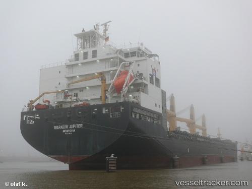 Drunk master ran into lock of Kiel Canal