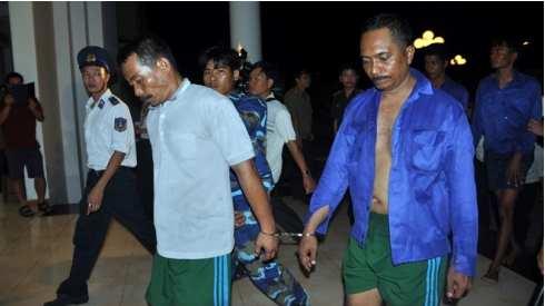Vietnam marine police seize 11 Indonesian pirates