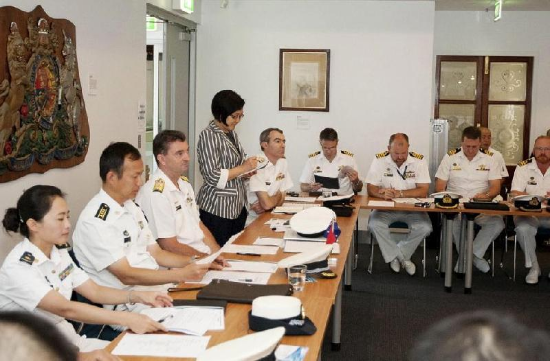 Chinese and Australian Naval Officers Share Counter-Piracy Experiences