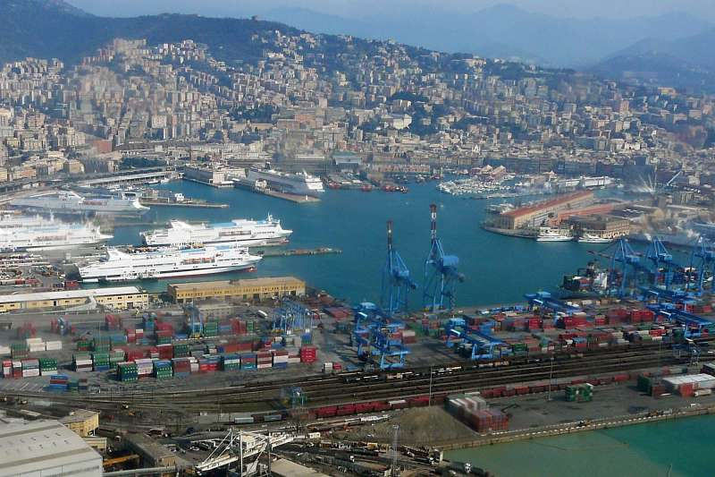Port of Genoa container growth up 11.5pc to 2 million TEU in 2012