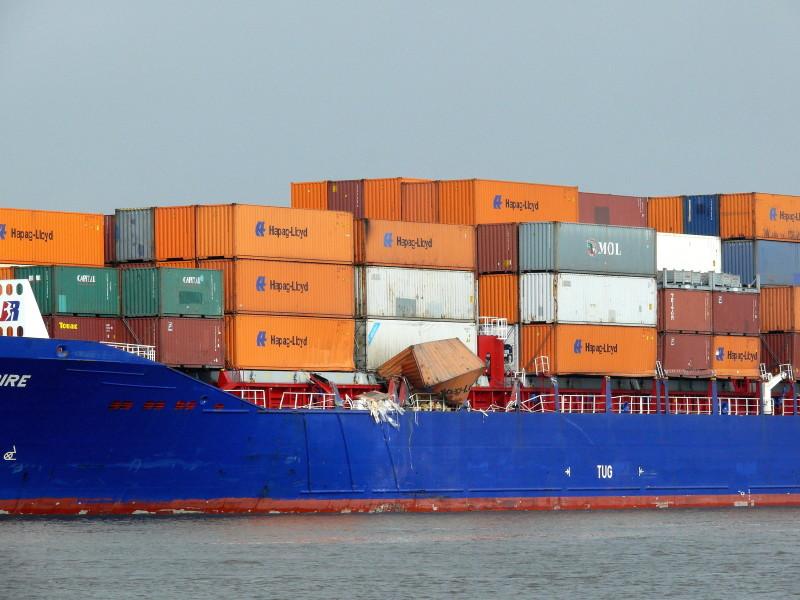 Boxships Empire and Herm Kiepe collided in Kiel canal