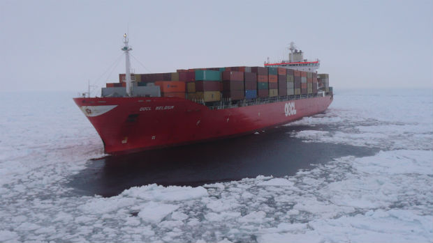 Stuck ship OOCL Belgium back on the move