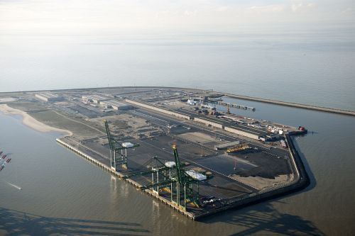 China Shipping unit buys 24pc of APMT Zeebrugge Terminals operation