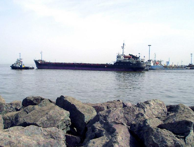 Iran: Construction Activity at Chamkhaleh Port Continues