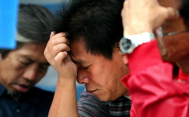 200 dockers return, but 100 Global men jobless as firm closes shop
