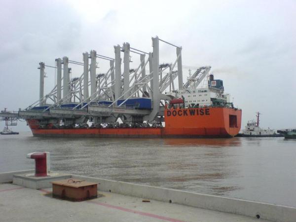 Savannah receives four new super-postpanamax Konescranes from China