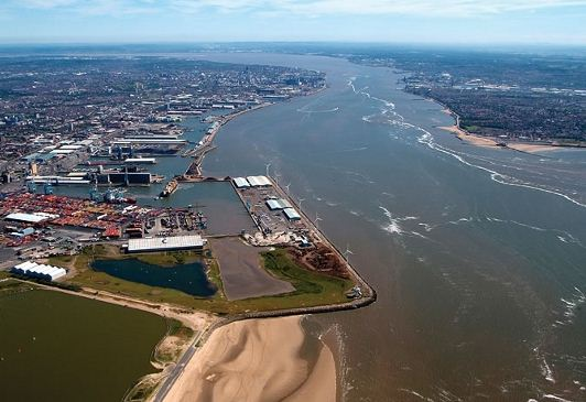 Liverpool dredging starts construction of CT to dock 13,000-TEUers