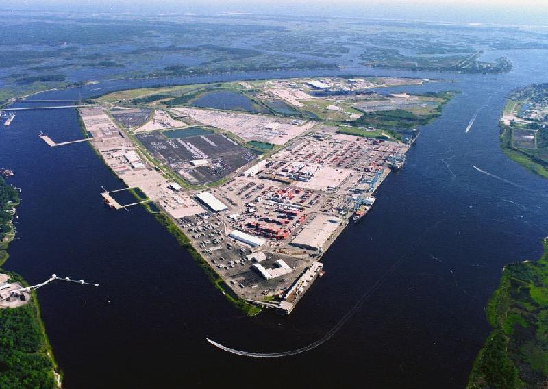 Qingdao port's first half volume up 3pc to 9.1 million TEU as profits soar 32pc