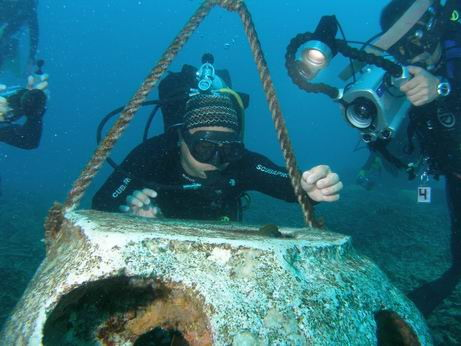 Ships warned of hazard near Hong Kong archaeological diving operation