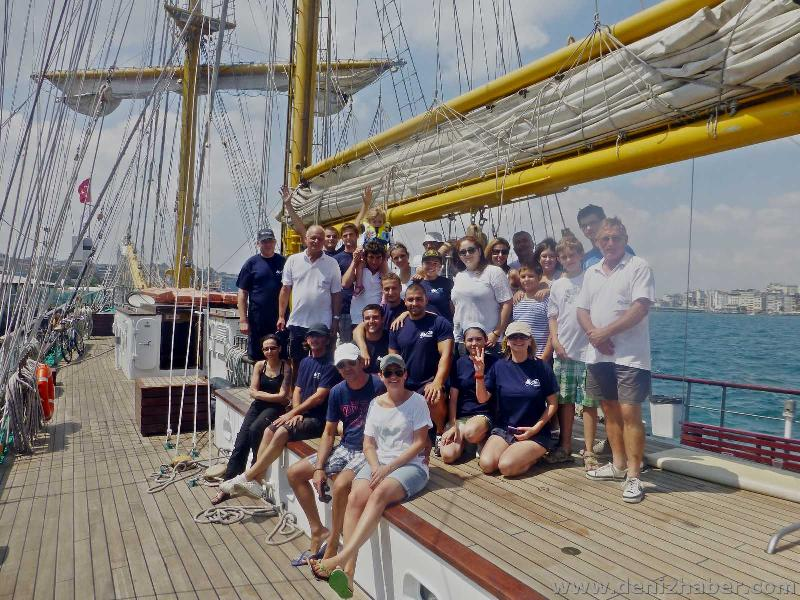 "Tall Ship ""STV Royal Helena"" in Istanbul for two days' visit"