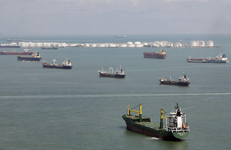 World fleet of idle vessels sinks to lowest level since October 2011