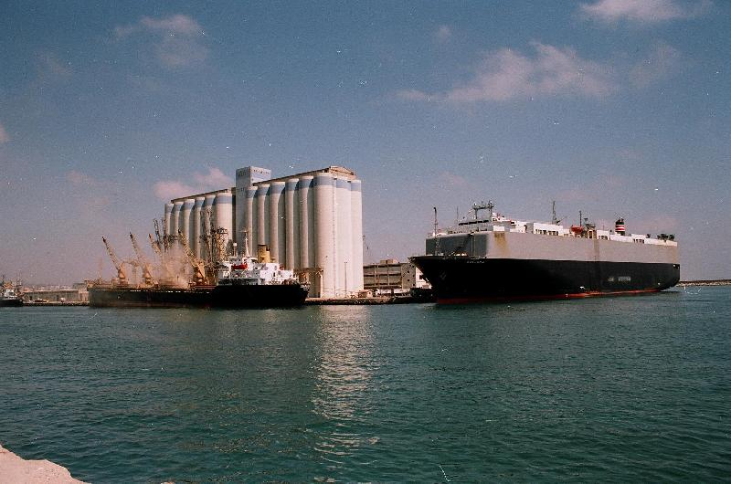 Syrian ports operational, but most imports now shipped in overland