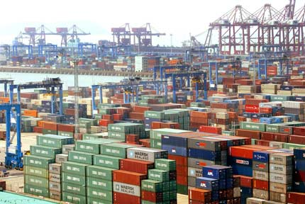 China's port container throughput climbs 7.5pc in first 9 months