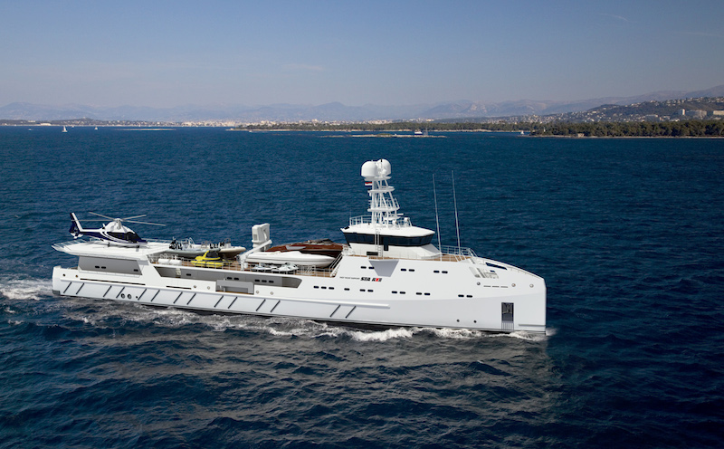 67m Fast Yacht Support vessel races to victory at major awards ceremony in Florida