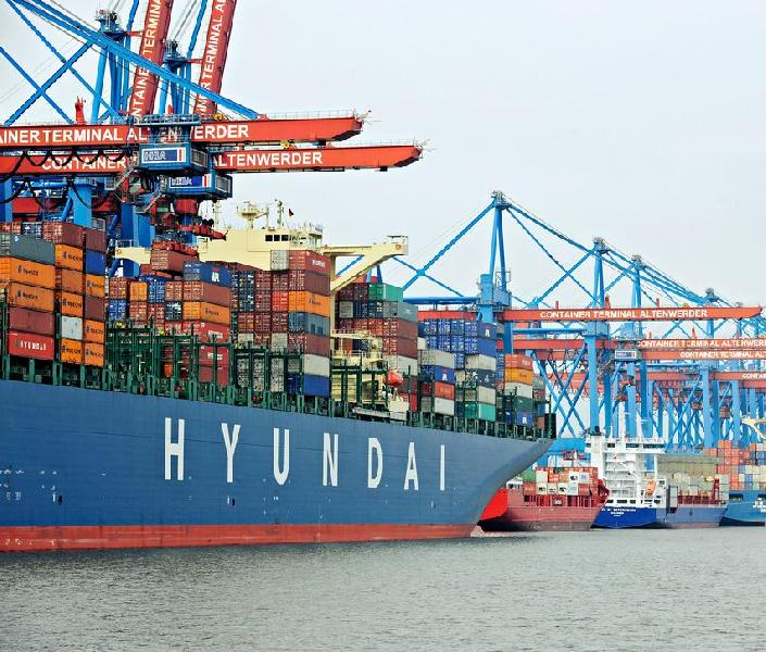 Germany: Port of Hamburg Hires 100 New Staff Members