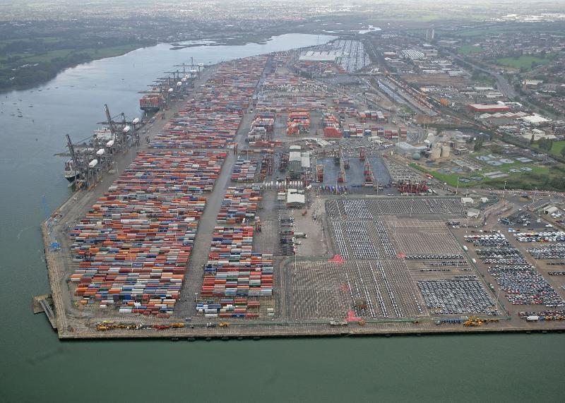 London Gateway bags Hamburg Sud and Hapag-Lloyd from Tilbury Docks