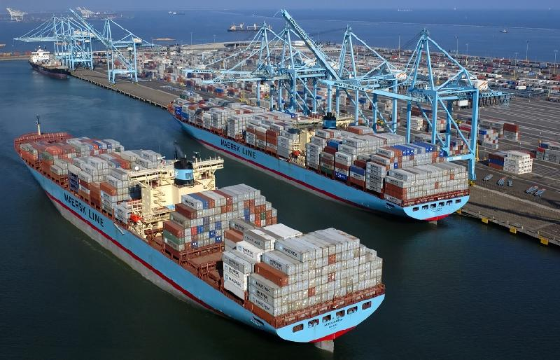 Maersk mega ships can cut costs, boost profits without P3: Macquarie