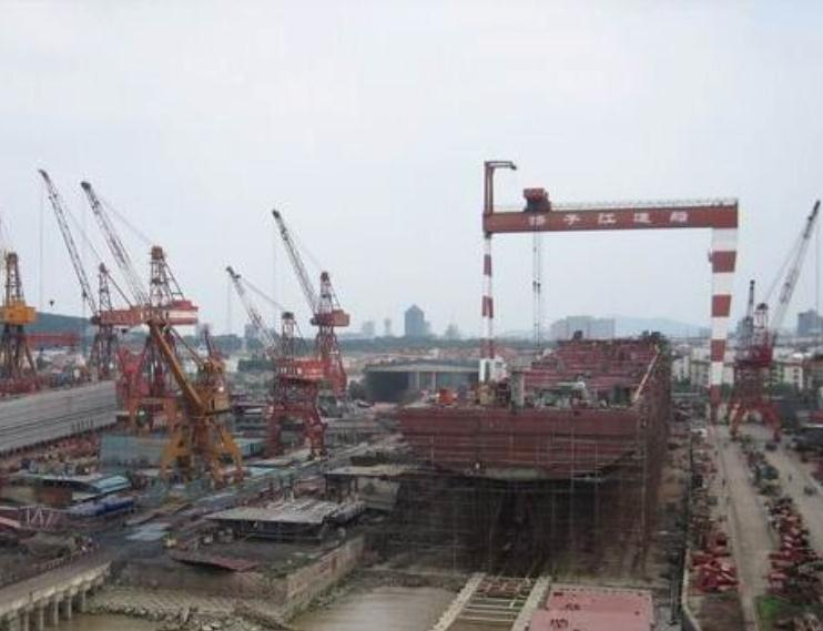 Yangzijiang aims for 18,000 TEUers, after it builds 1st 10,000 TEU ship