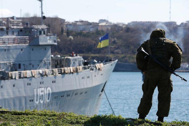 Russian warships seize Kerch Strait, crucial in 1853-56 Crimea War