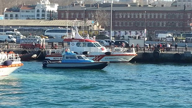 Child dead as car falls into the sea during ferry load-on