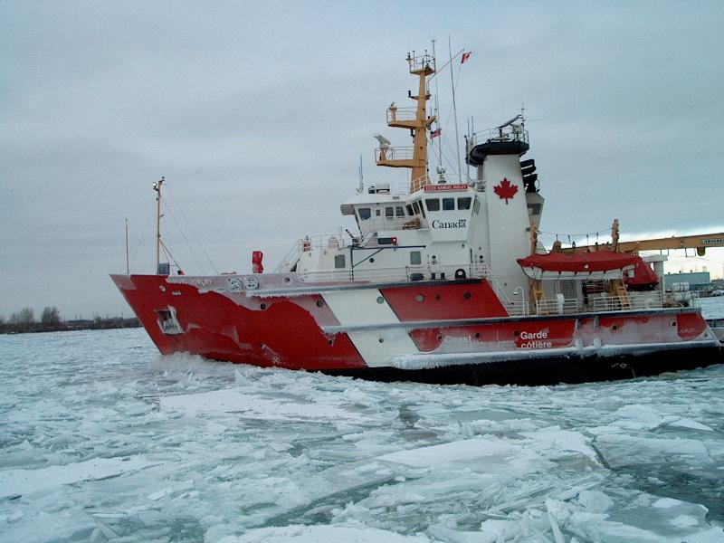 Canada needs 3 ice-breakers for Great Lakes and Seaway, say carriers