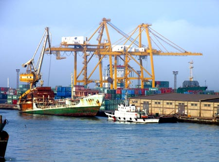 Dalian container volume up 2.9pc to 1.38 million TEU in first 2 months