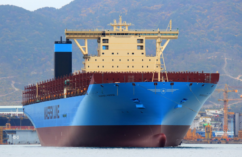 Maersk, Hapag-Lloyd and MOL take delivery of more large containerships