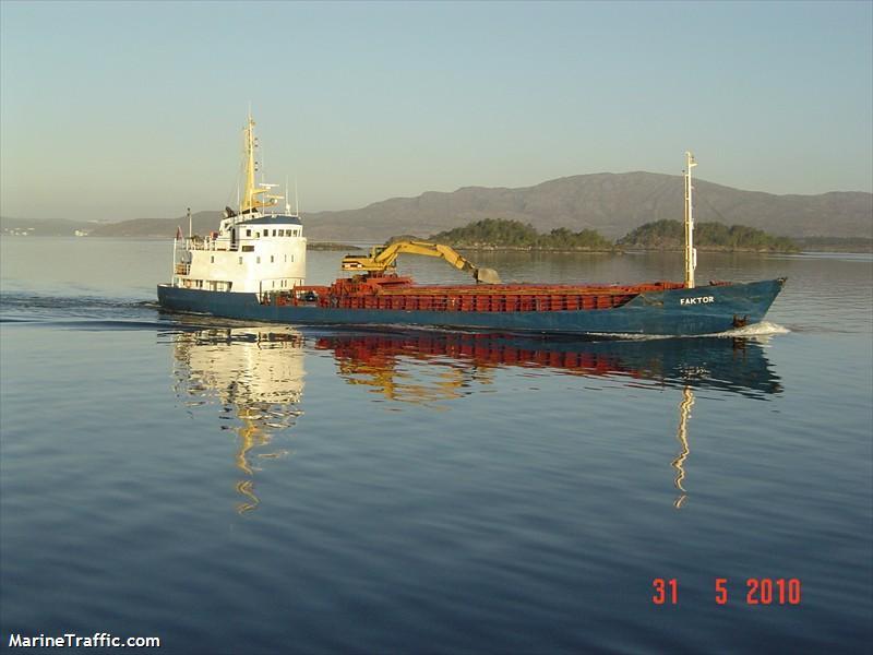 Drunk officer sentenced to jail for running ship aground