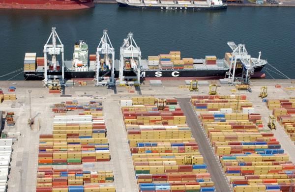 """Mega-alliances"" bring age of the big ship to port"