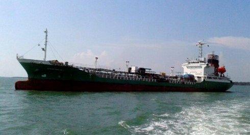Pirates hijack oil tanker, kidnap three crewmen in Malacca Strait